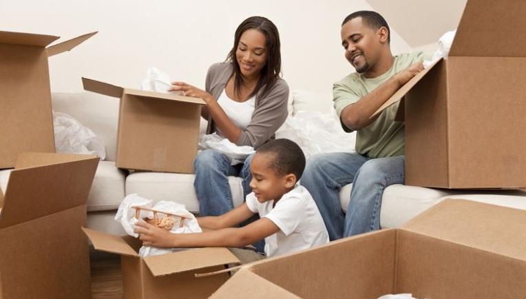超过82%的美国人在搬家时会感到压力